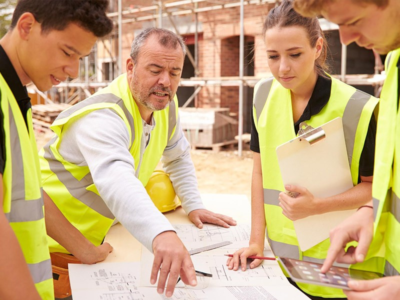 Reasons why to complete an apprenticeship
